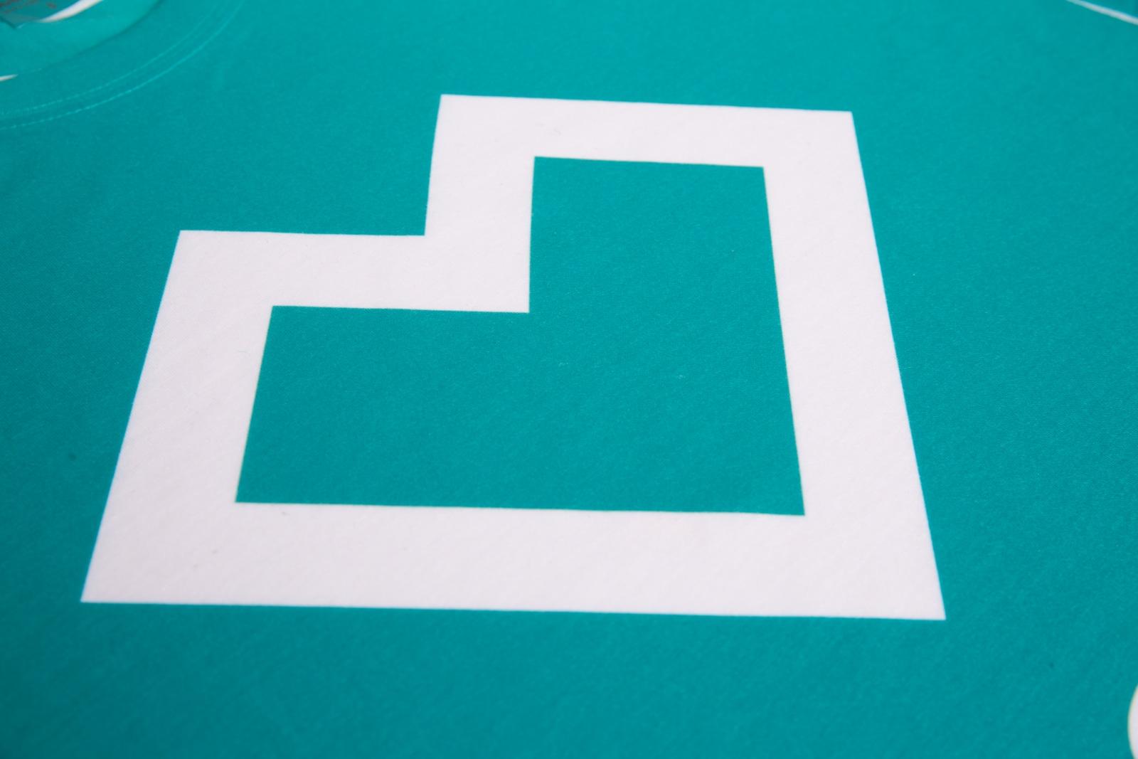 Logo de la société imprimé par sublimation sur vêtement