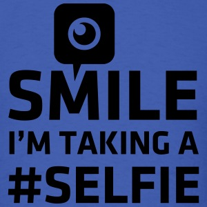 Love taking Selfie photo camera instagram smile T-Shirts - Men's T-Shirt