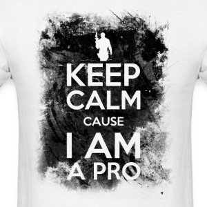 Keep calm cause I am a pro - Men's T-Shirt
