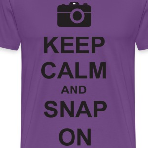 Keep calm and snap on - Men's Premium T-Shirt