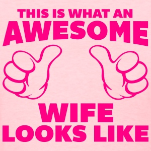 Awesome Wife Looks Like T-shirts - T-shirt pour femmes