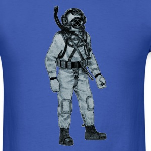 Mark V Navy Diver with Diving Helmet - Men's T-Shirt