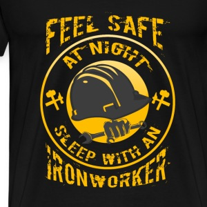 Ironworker T-shirt - Feel safe with an ironworker - Men's Premium T-Shirt