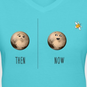 Pluto then and now - Women's V-Neck T-Shirt