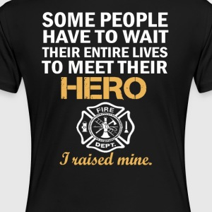 THE FIREFIGHTER'S MOM - Women's Premium T-Shirt