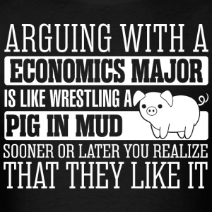 Arguing With Economics Major Wrestling Pig - Men's T-Shirt