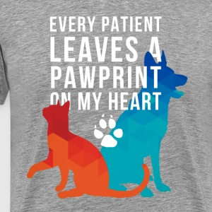 A pawprint on my heart Veterinarian T-shirt T-Shirts - Men's Premium T-Shirt