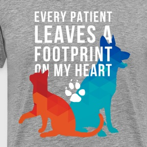 A footprint on my heart Veterinarian T-shirt T-Shirts - Men's Premium T-Shirt