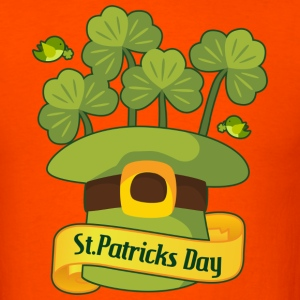 St. Paddys Hat & Clovers T-Shirts - Men's T-Shirt