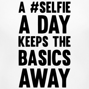A SELFIE A DAY KEEPS THE BASICS AWAY Women's T-Shirts - Women's Maternity T-Shirt