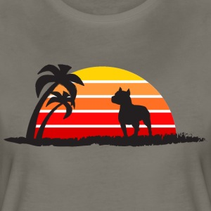 Pitbull on Sunset Beach - Women's Premium T-Shirt