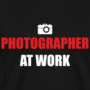 Photographer at work black t-shirt man - Men's Premium T-Shirt