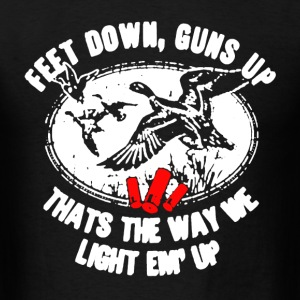 Feet Down Guns Up Hunting - Men's T-Shirt