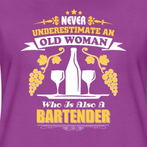 woman- never underestimate an old woman bartender - Women's Premium T-Shirt
