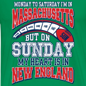 On sunday my heart is in New England - Men's Premium T-Shirt