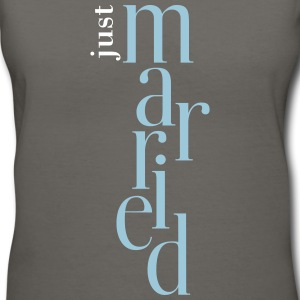 Just married_T-Shirt - Women's V-Neck T-Shirt