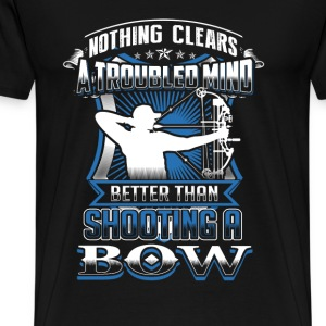 bow hunting Nothing clears mind better than bowing - Men's Premium T-Shirt