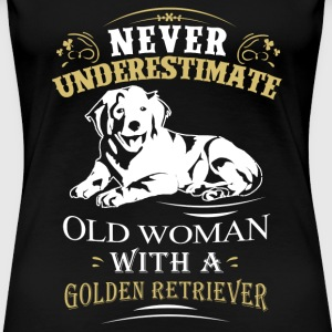 Woman with Golden Retriever - Never underestimate - Women's Premium T-Shirt