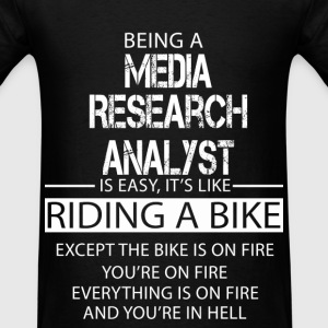 Media Research Analyst T-Shirts - Men's T-Shirt