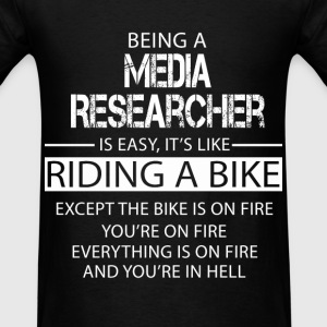 Media Researcher T-Shirts - Men's T-Shirt