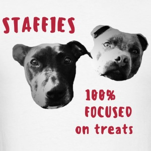 Staffies 100% focused on treats - Men's T-Shirt