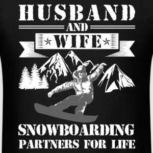 Husband And Wife Snowboarding Partners - Men's T-Shirt