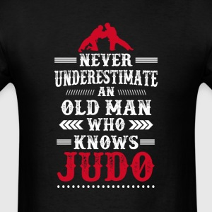 An old Man Who knows Judo Men's T Shirt - Men's T-Shirt