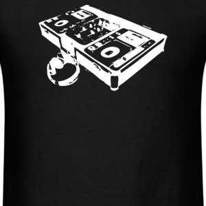 dj turntable - Men's T-Shirt