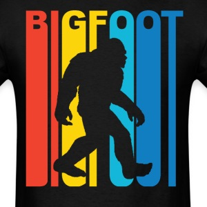 Vintage Retro 1970s Style Rainbow Bigfoot Silhouet - Men's T-Shirt