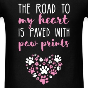 The road to my heart is paved with paw prints - Men's T-Shirt