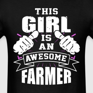 This Girl Is An Awesome Farmer Funny - Men's T-Shirt