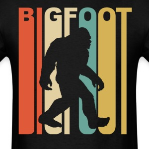 Vintage Retro 1970's Style Bigfoot Silhouette - Men's T-Shirt