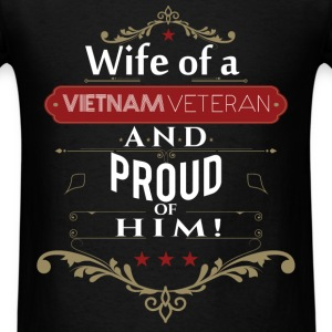 Wife of a vietnam veteran and proud of him - Men's T-Shirt
