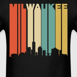 Retro 1970's Milwaukee Wisconsin Downtown Skyline - Men's T-Shirt