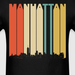 Vintage 1970's Style Manhattan New York Skyline - Men's T-Shirt