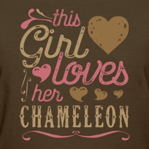 This Girl Loves Her Chameleon T-Shirts - Women's T-Shirt