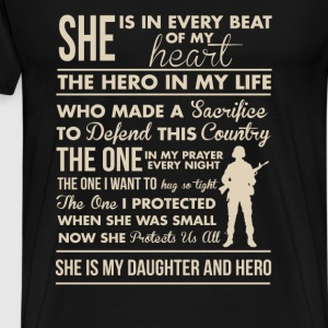 Army mom - She is in every beat of my heart - Men's Premium T-Shirt