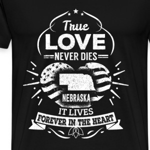 Nebraska - It lives forever in the heart t-shirt - Men's Premium T-Shirt