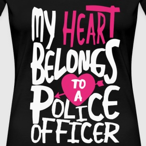 My heart belongs to a Police officer - Women's Premium T-Shirt