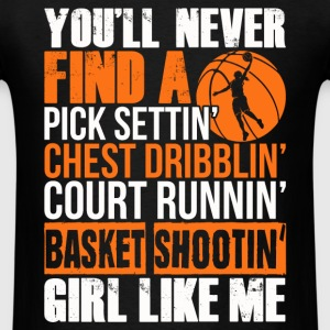 Basketball girl - Pick setting, chest dribbling - Men's T-Shirt