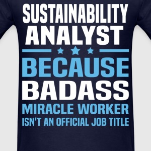 Sustainability Analyst Tshirt - Men's T-Shirt