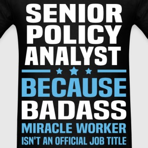 Senior Policy Analyst Tshirt - Men's T-Shirt
