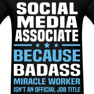 Social Media Associate Tshirt - Men's T-Shirt