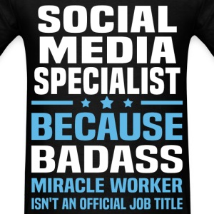 Social Media Specialist Tshirt - Men's T-Shirt