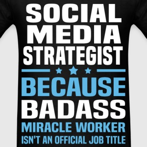 Social Media Strategist Tshirt - Men's T-Shirt