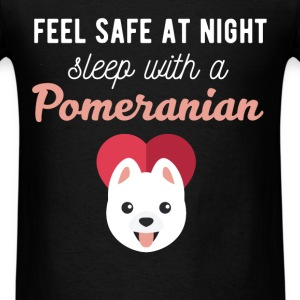 Pomeranian - Feel safe at night sleep with a Pomer - Men's T-Shirt