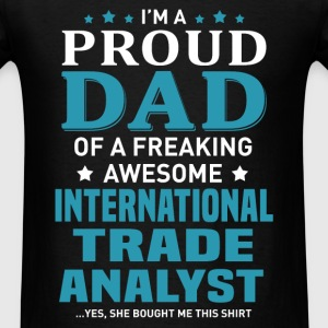 International Trade Analyst's Dad - Men's T-Shirt