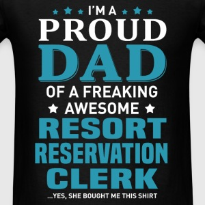 Resort Reservation Clerk's Dad - Men's T-Shirt
