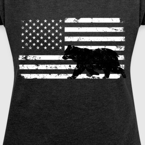 USA Flag with Black Bear T-Shirts - Women´s Roll Cuff T-Shirt