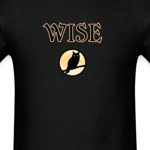 wise owl dark Halloween night - Men's T-Shirt